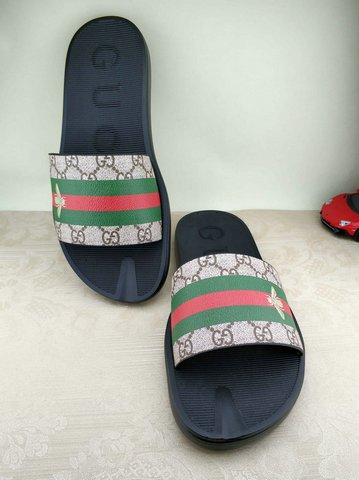 Gucci Slippers-55
