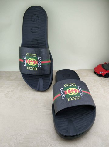 Gucci Slippers-62