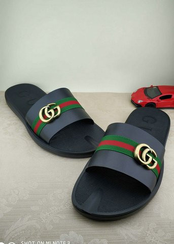 Gucci Slippers-70